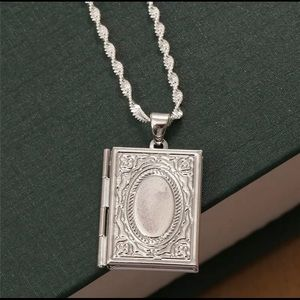 Jewelry - SILVER ANTIQUE BOOK LOCKET WITH CHAIN NWOT